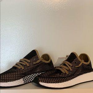 NWT Deerupt Runner Adidas Men's 8.5